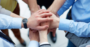 FreeGreatPicture.com-50265-people-gesture-of-unity-and-cooperation